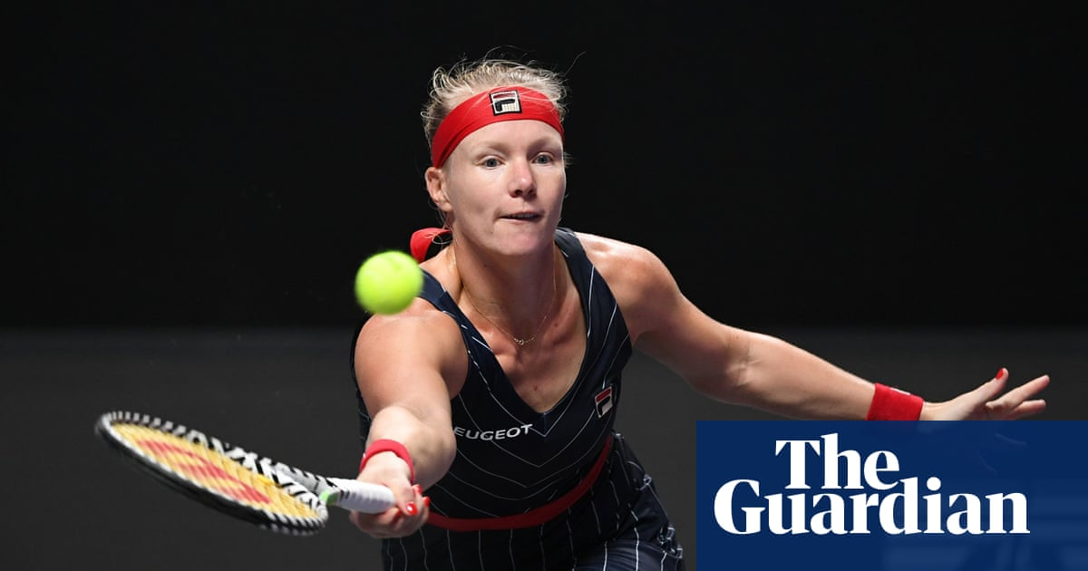Kiki Bertens makes most of late chance by beating world No 1 Ashleigh Barty