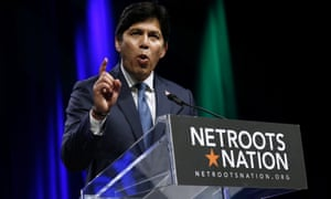 Kevin de León, the former California state senate leader challenging Dianne Feinstein for Senate, at the Netroots event.