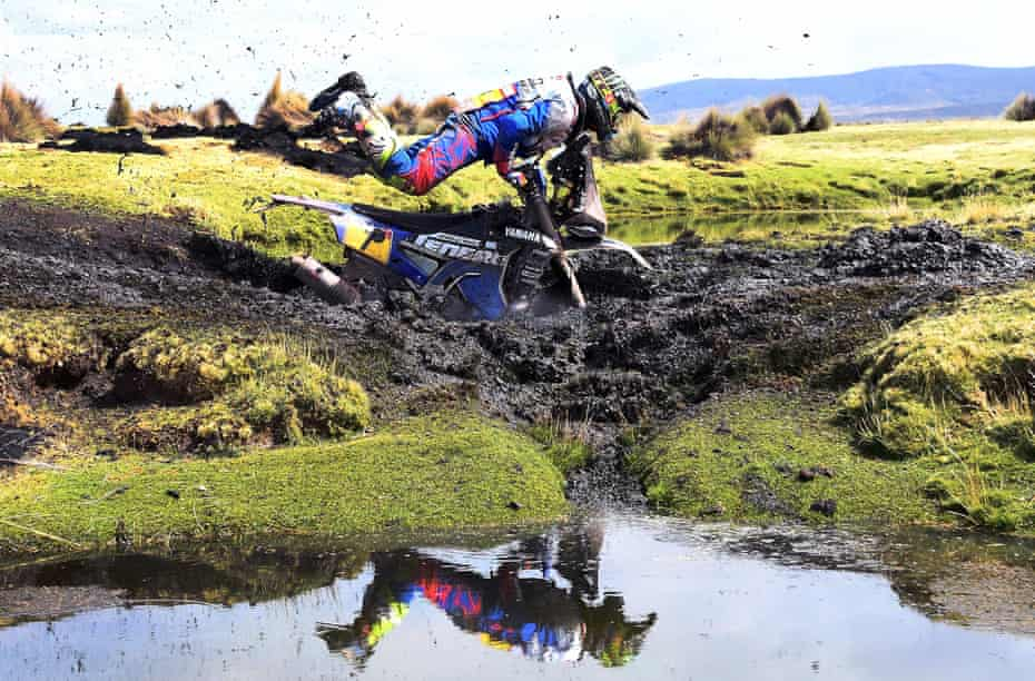 Stuck in the mud at the Dakar rally