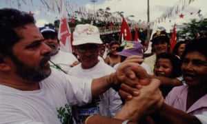 Lula meets the people on his visit in 1993.