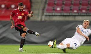Bruno Fernandes has a shot against FC Copenhagen in the Europa League quarter-final