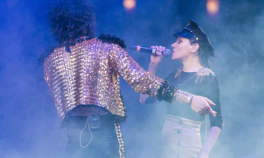 Client Liaison and Tina Arena performing at Splendour in the Grass in 2017