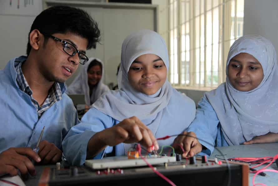 Girls in Bangladesh on an underprivileged children's education programme, supported by UK aid