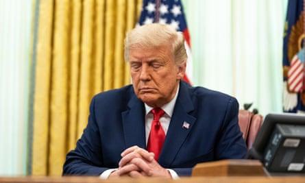 Donald Trump pada pertemuan doa di Gedung Putih pada bulan Agustus.