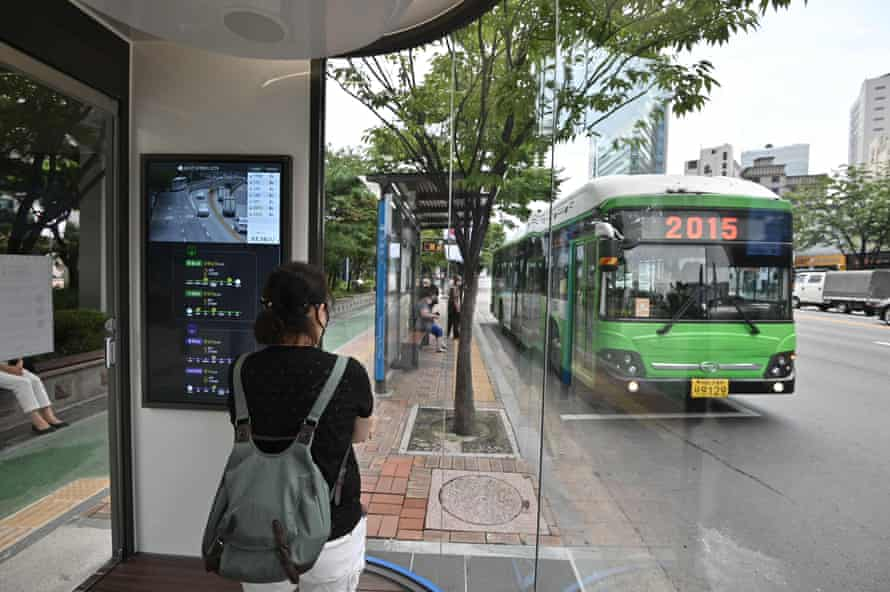 The booth features live traffic data to ensure passengers do not miss their bus.
