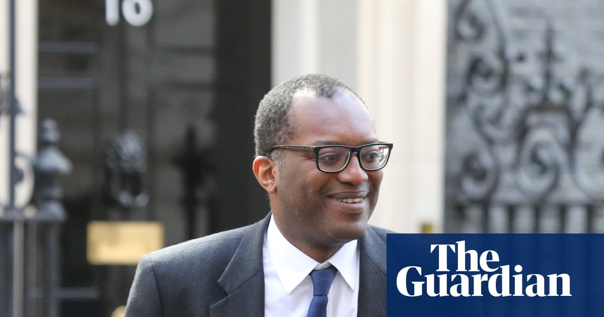 UK considers clothing trade adjudicator to tackle labour abuses