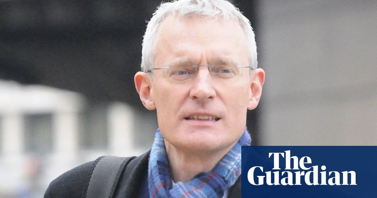 Jeremy Vine 'unnerved' after home targeted by anti-vaccine protesters