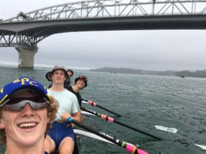 A rowing crew