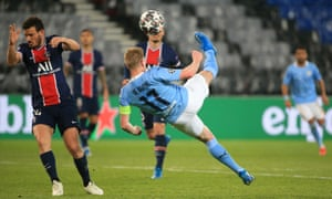 Kevin De Bruyne of Manchester City attempts an overhead kick.