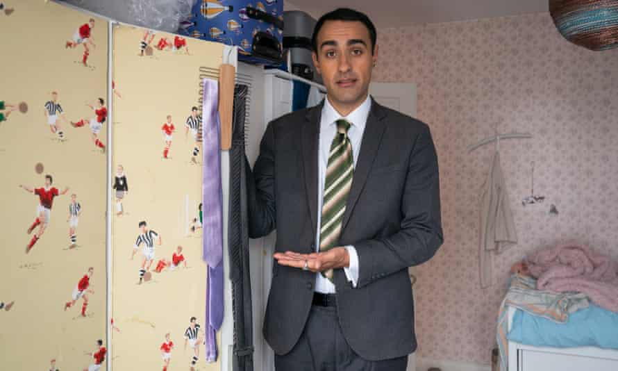 Jamie Demetriou in the second series of Stath Lets Flats.