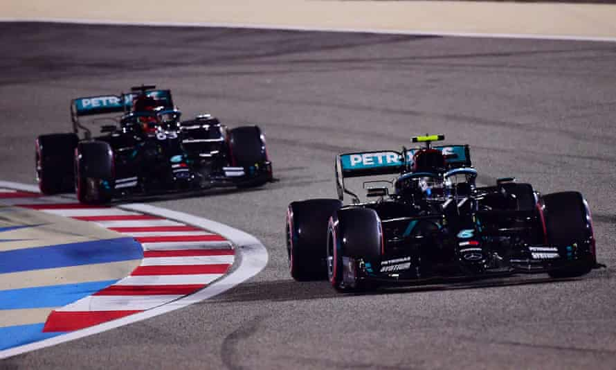 Valtteri Bottas leads George Russell during qualifying for the Sakhir F1 GP