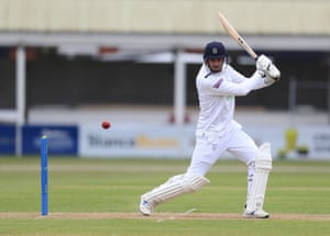 Hampshire's James Vince batting