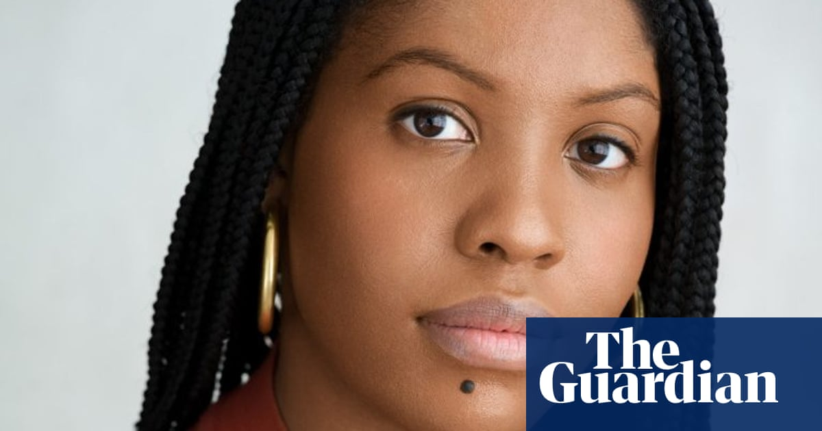 Raven Leilani wins Dylan Thomas prize for 'fearless' novel Luster