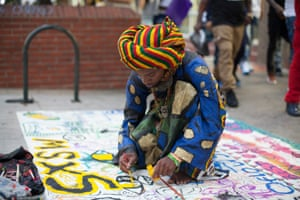 Visual artist Oflow Show wants to bring world peace with his artwork on the streets.