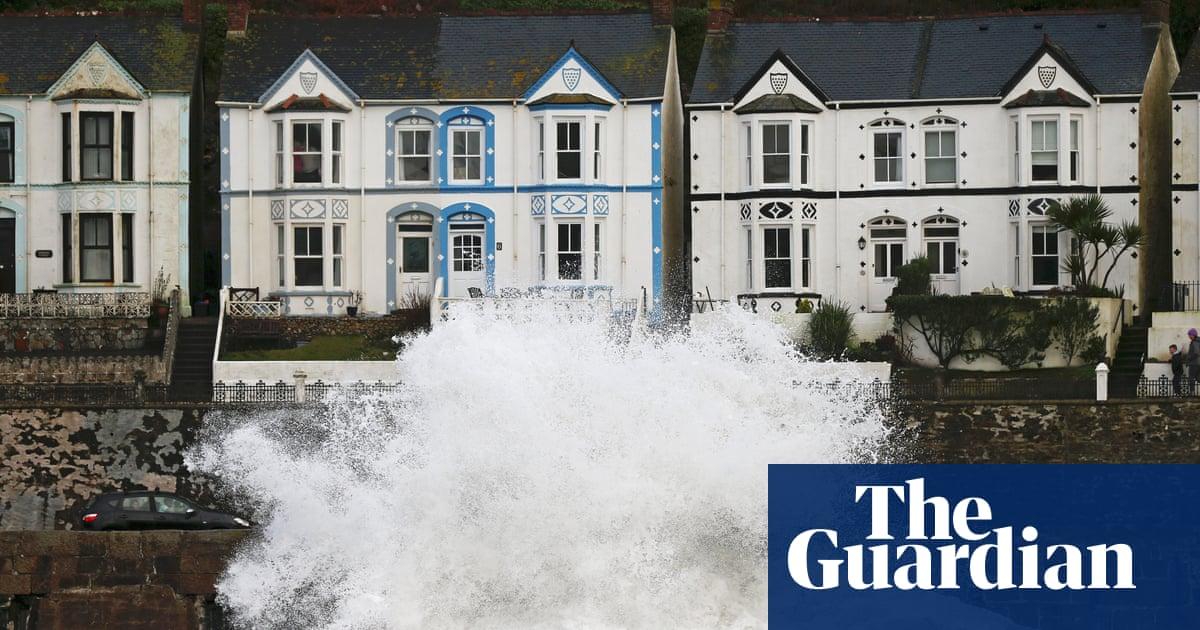 Devon pupils evacuated after school is struck by lightning