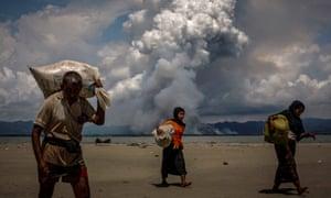 Rohingya refugees arrive in Bangladesh.