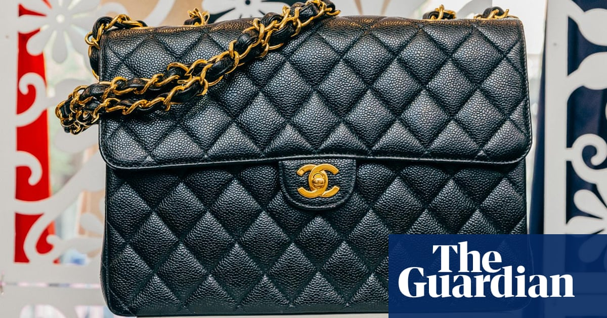 4393ab93540 Shopping in the closets of the 1%: why consignment stores are trending