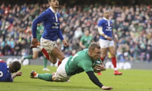 Ireland's Keith Earls scores their fourth try.