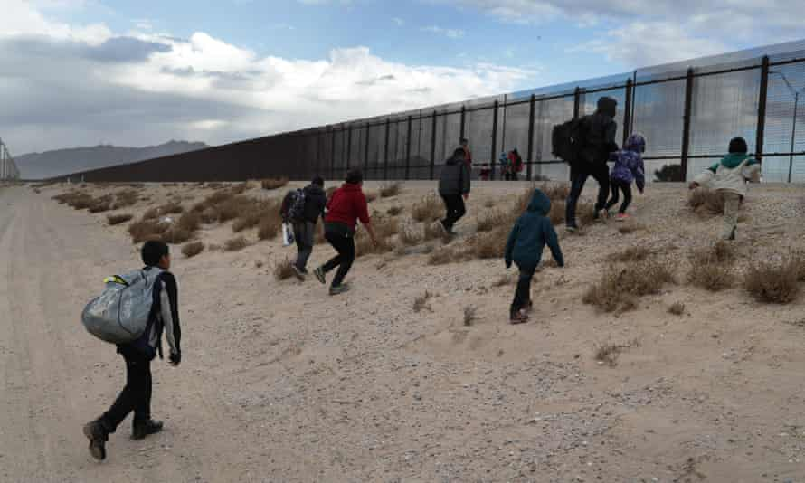 Border crisis: US failure to respond to migration surge has created chaos |  US immigration | The Guardian
