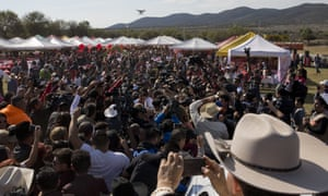 Millions of people responded to the invitation for Rubi Ibarra's 26 December coming of age party in rural northern Mexico, after her parent's video asking everybody to attend went viral.