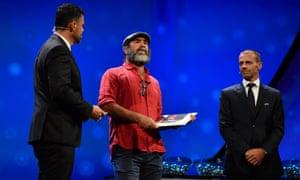 Eric Cantona lors de la cérémonie de l'UEFA où il a paraphrasé le roi Lear en août.