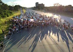 Marchers block part of Interstate 94 in St Paul