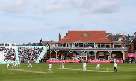 County cricket: Sussex bowl out Middlesex for just 75