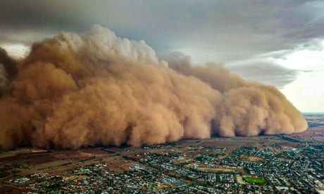 Huge dust storms in Australia hit central New South Wales