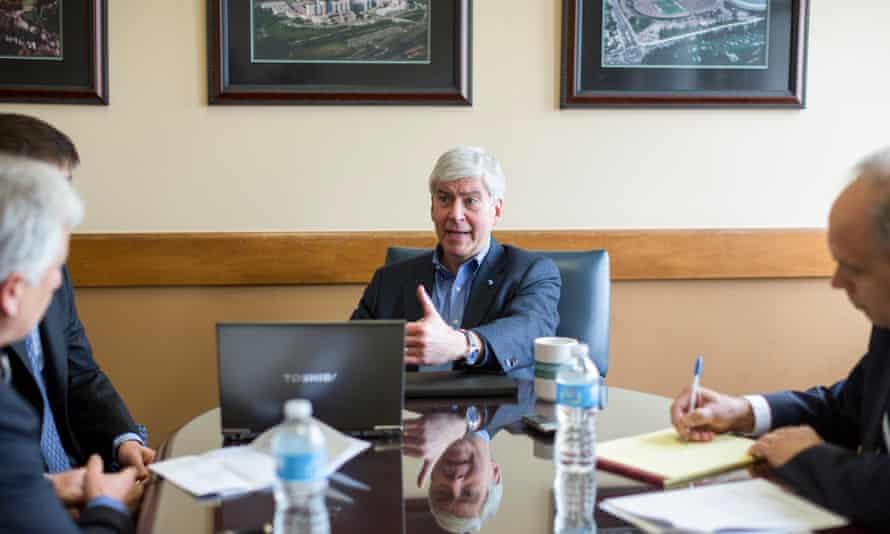 Flint Michigan contaminated drinking water lead Rick Snyder