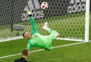 Then England seize the advantage as Jordan Pickford makes a stunning one-handed save from Colombia's Carlos Bacca.