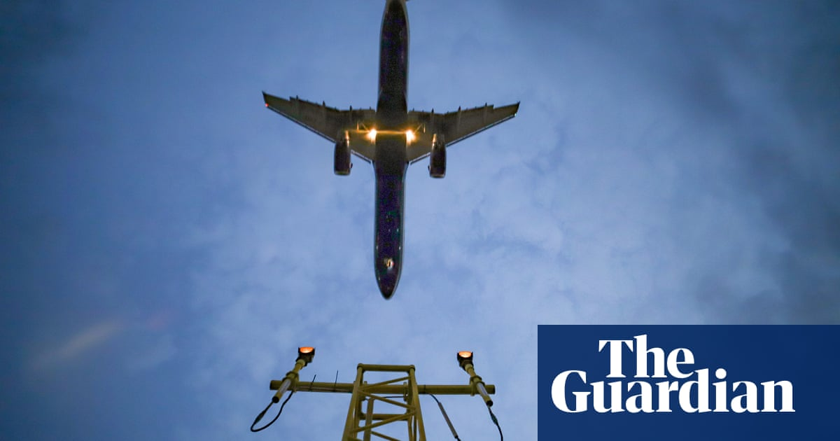 UK set to cut air passenger duty on domestic flights