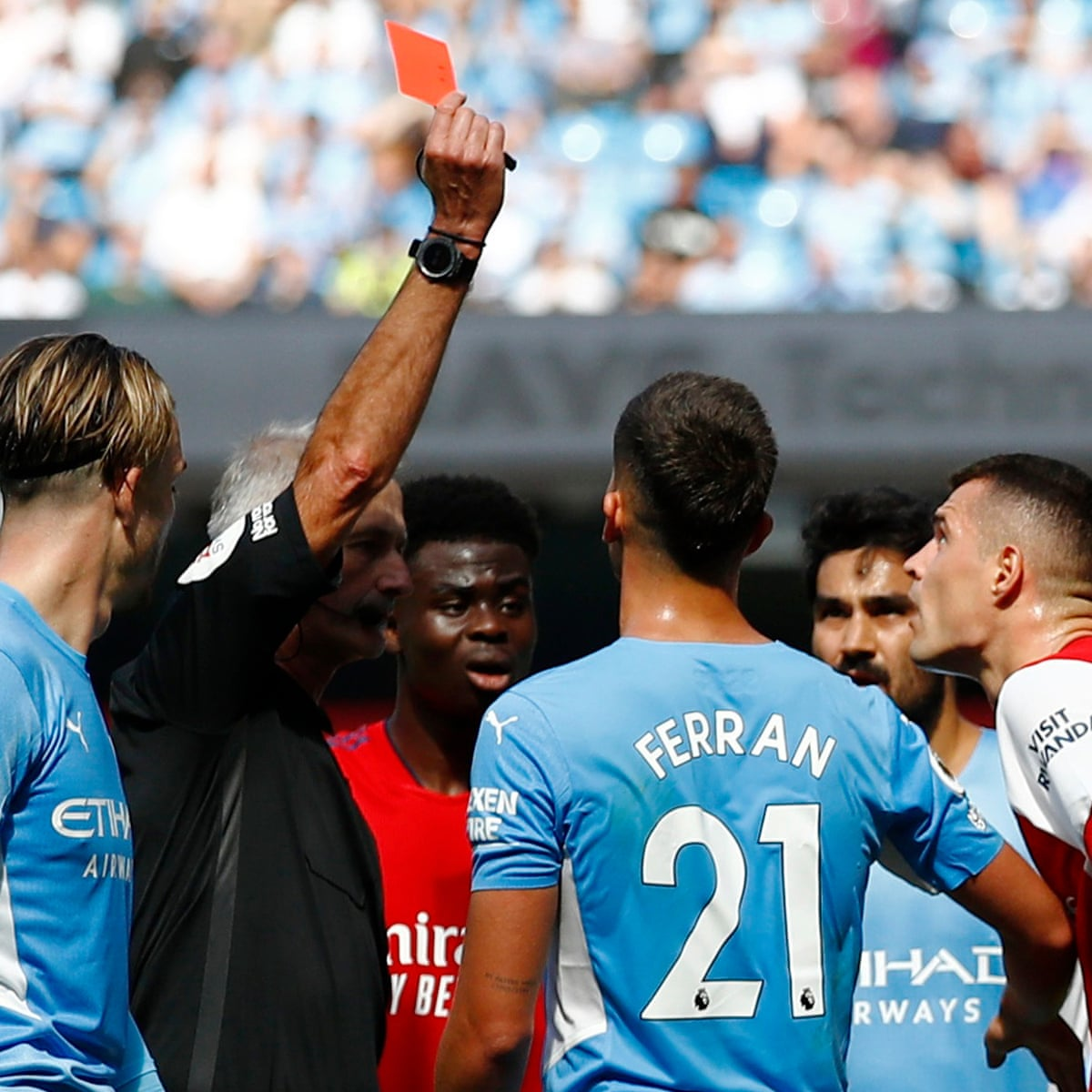 Wretched 10-man Arsenal left in tatters by strikerless Manchester City    Premier League