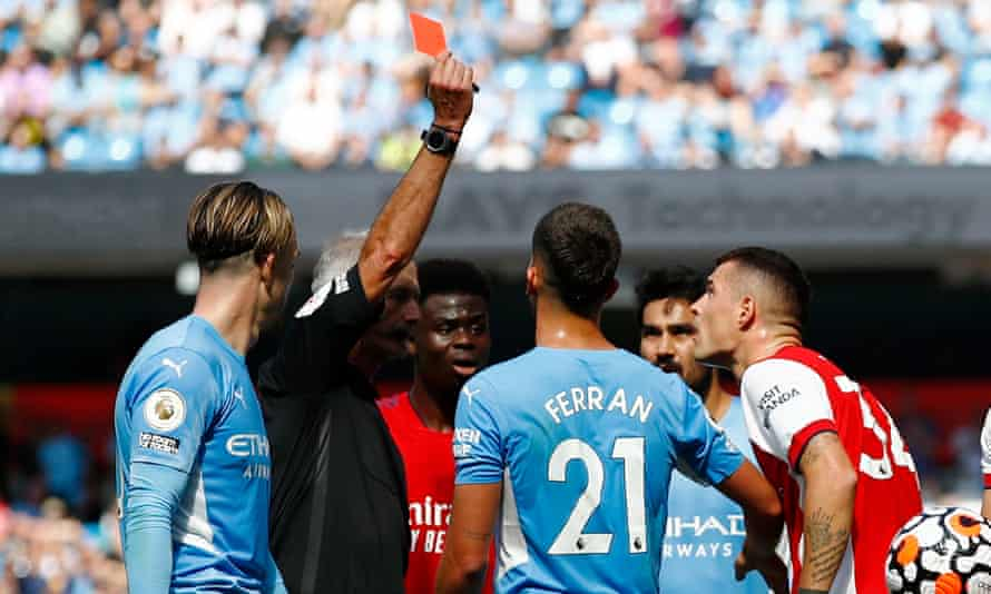 Wretched 10-man Arsenal left in tatters by strikerless Manchester City |  Premier League | The Guardian