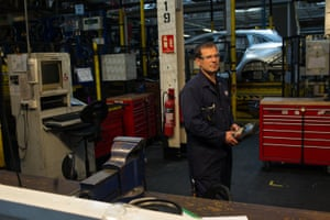 Dave Owens, a robot operator and mechanic, in the Vauxhall body shop