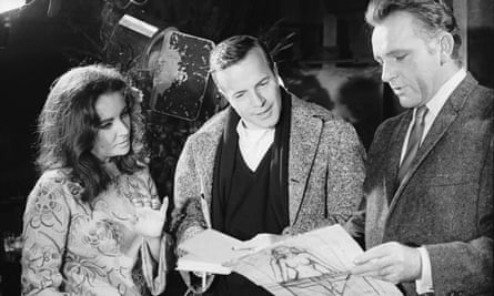 Franco Zeffirelli, centre, with Elizabeth Taylor and Richard Burton, the stars of his film version of The Taming of the Shrew.