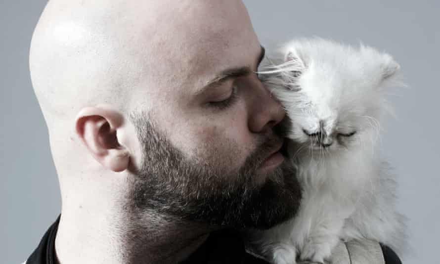 Sitting kitty ... but are men behind the rise in cat ownership?