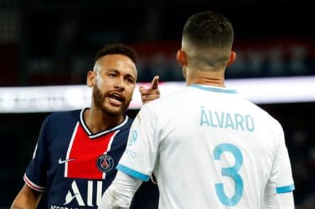 Neymar singles out Álvaro González.