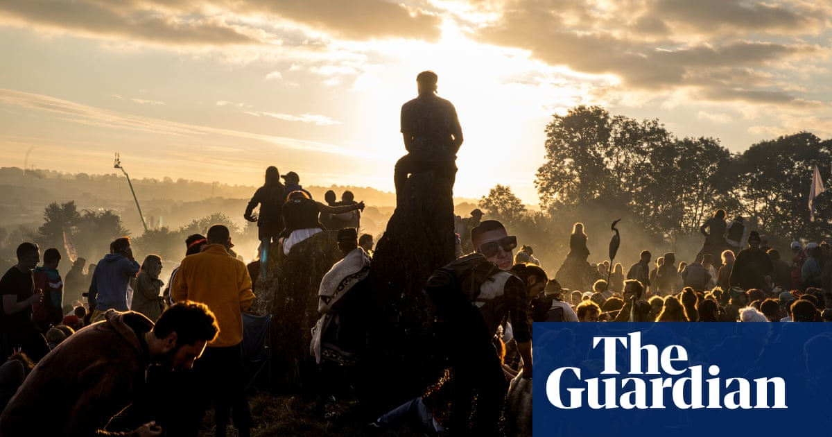 V&A and Glastonbury festival to launch new digital archive