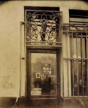 Shopfront, Au Franc Pinot, Quai Bourbon, Paris, France, about 1900