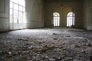 Today, chandeliers still hang from the ceiling inside the ballroom of the 45-room hotel. Broken embellishments and shattered crystal carpet the floor, and old casino chips worth 5 Lebanese pounds can be found scattered among the rubble. While little information is known about the hotel's history, it can be viewed in its former 1926 glory here