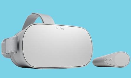 The Oculus-Go-headset-and-touch-controller