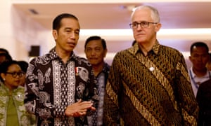 Joko 'Jokowi' Widodo and Malcolm Turnbull at the Our Ocean conference in Bali on Monday