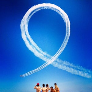 Jesse Alkire from Chicago, United States was placed first in the news/events category for this shot of planes looping at the Chicago Air and Water Show.