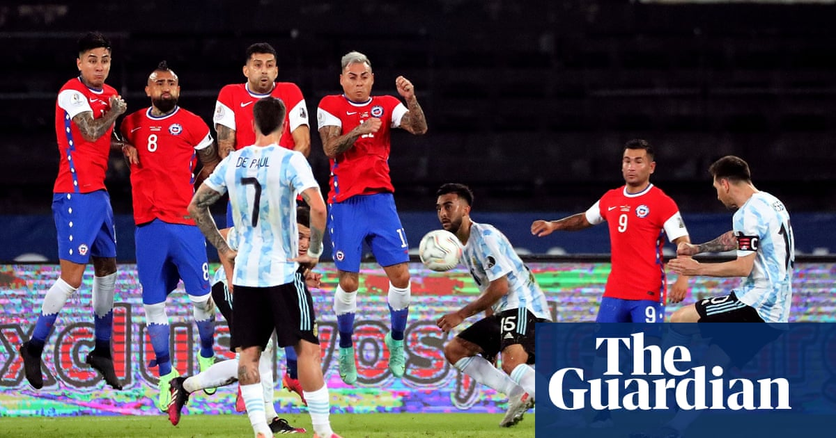 Copa América: Lionel Messi free-kick cancelled out as Chile hold Argentina