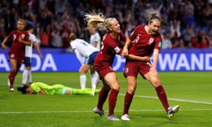 England's Jodie Taylor celebrates scoring with Beth Mead.