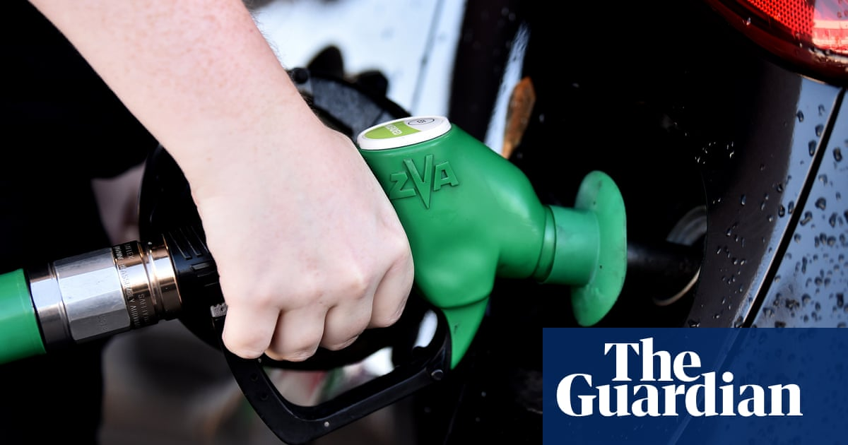 UK petrol price passes £1.40 a litre, highest in almost a decade