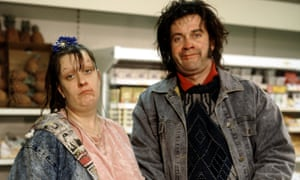 Picture shows (l-r) Kathy Burke and Harry Enfield as Wayne and Waynetta Slob (the Slobs) shopping in the supermarket