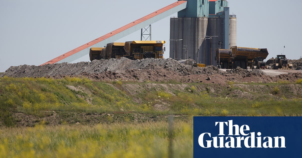 'Our paychecks bounced': workers face uncertainty after mines shut down