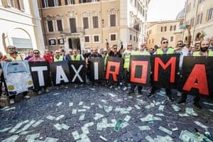 出租车司机于2010年在罗马示威反对优步。