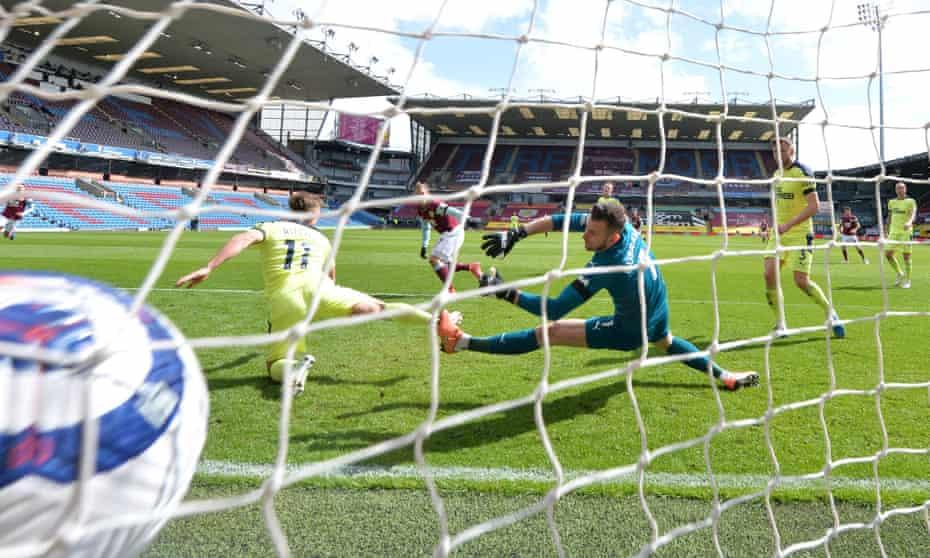 Matej Vydra scores for Burnley at Turf Moor.